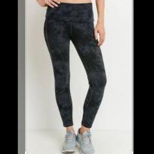 Mono B black gray tie dye athletic leggings M